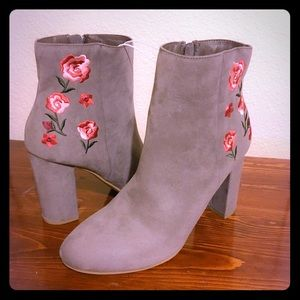 NWOT Report Floral Embroidered Ankle Booties